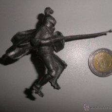 Figuras de Goma y PVC: REIGON : CABALLERO MEDIEVAL ,TORNEO DE REIGON AÑOS 60. Lote 52419306