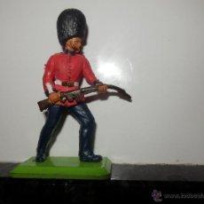 Figuras de Goma y PVC: GUARDIA REAL BRITAINS DEETAIL. Lote 52590395