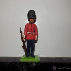 Figuras de Goma y PVC: GUARDIA REAL BRITAINS DEETAIL. Lote 52590401