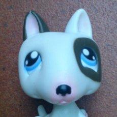 Figuras de Goma y PVC: FIGURA LPS HASBRO PERRO PITBULL DOG 154. Lote 52610618