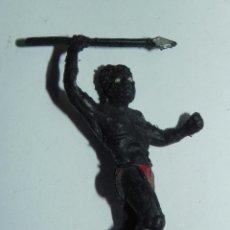 Figuras de Goma y PVC: FIGURA GUERRERO NEGRO SAFARI JUNGLA, MIDE 5,5 CMS, FABRICADO EN PLASTICO POR LA CASA GAMA, AÑOS 60.. Lote 52706708