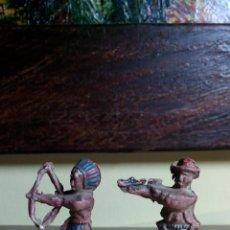 Figuras de Goma y PVC: FIGURAS EN GOMA INDIO Y VAQUERO 4,5CM. LAFREDO ORIGINAL AÑOS 50-60. Lote 52926396