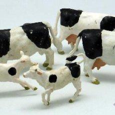 Figuras de Borracha e PVC: 3 VACAS Y 4 TERNEROS GOMA BRITAINS ENGLAND 1970 Y 1984 . Lote 52959782