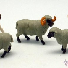 Figuras de Goma y PVC: 5 ANIMALES CABRA CHIVO DOS OVEJAS Y CARNERO GOMA BRITAINS ENGLAND 1979 . Lote 52959866