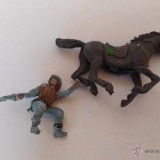 Figuras de Goma y PVC: FIGURA DE PLASTICO VAQUERO MONTADO A CABALLO. Lote 52960089