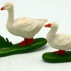 Figuras de Goma y PVC: PATA CON PATITOS Y 2 OCAS GOMA BRITAINS ENGLAND 1982. Lote 52960165