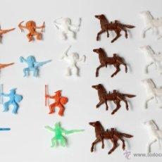 Figuras de Goma y PVC: INDIOS Y CABALLOS MONTAPLEX, 18 FIGURAS. Lote 53040516