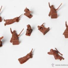 Figuras de Goma y PVC: SOLDADOS AFRICANOS BEDUINOS DEL DESIERTO MONTAPLEX, 11 PIEZAS. Lote 53040734