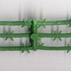 Figuras de Goma y PVC: VALLA PARA SOLDADOS DE 5 CM COLOR VERDE OSCURO. Lote 53202187