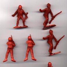 Figuras de Goma y PVC: SOLDADOS PLASTICO ROJOS 5 CM ---------(REF M1 E1DETRAS). Lote 53202390