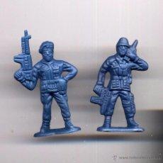 Figuras de Goma y PVC: SOLDADOS PLASTICO AZULES 5CM ----------(REF M1 E1DETRAS). Lote 53202417