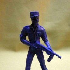 Figuras de Goma y PVC: FIGURA DE PLASTICO, PREMIUM, DETERGENTES ESE, SOLDADO CUBANO, FUSILADO DE COMANSI 60S. Lote 53295498