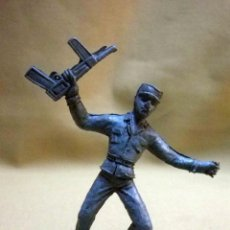 Figuras de Goma y PVC: FIGURA DE PLASTICO, PREMIUM, DETERGENTES ESE, SOLDADO CUBANO, FUSILADO DE COMANSI 60S. Lote 53295540
