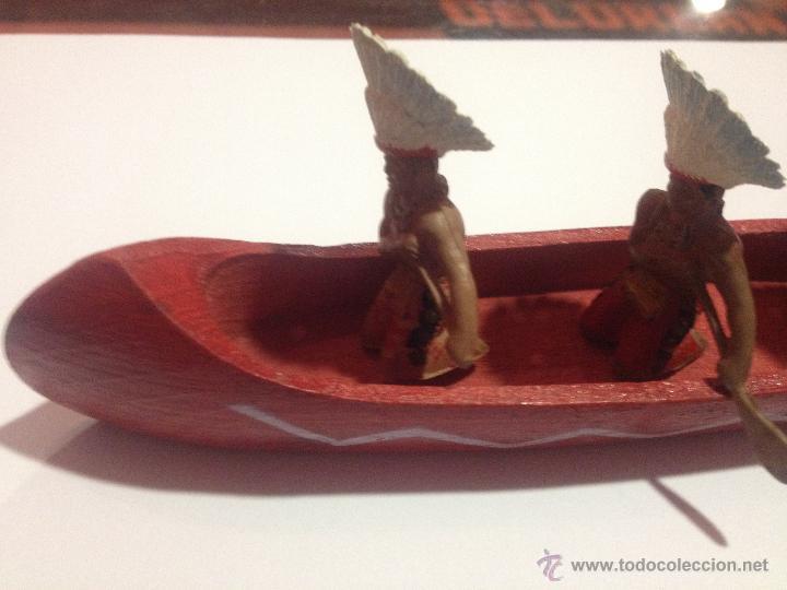 Figuras de Goma y PVC: PRECIOSA Y ANTIGUA CANOA MADERA + 3 FIGURAS PLASTICO INDIOS REMEROS REAMSA - Foto 3 - 53312897