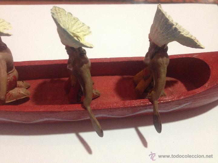 Figuras de Goma y PVC: PRECIOSA Y ANTIGUA CANOA MADERA + 3 FIGURAS PLASTICO INDIOS REMEROS REAMSA - Foto 4 - 53312897