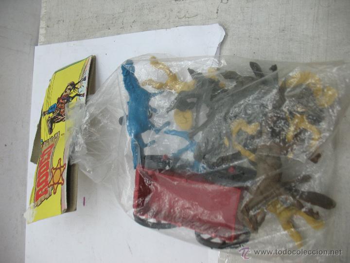 Figuras de Goma y PVC: RODEO - Set con indios, caballos y carro - Foto 2 - 53314292