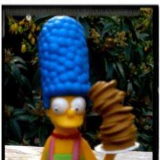 Figuras de Goma y PVC: FIGURA MARGE SIMPSON COCINERA . Lote 53335879
