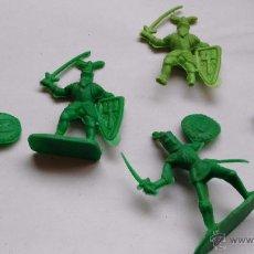 Figuras de Goma y PVC: LOTE DE FIGURAS ANTIGUAS DE PLASTICO MEDIEVALES CABALLEROS. Lote 53892666