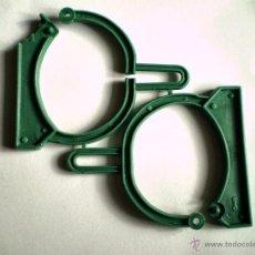 Figuras de Goma y PVC: MONTAPLEX - ESPOSAS GRILLETES COLADA COMPLETA - COLOR VERDE. Lote 53943581