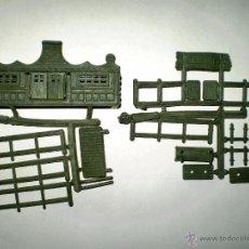 Figuras de Goma y PVC: MONTAPLEX 1 COLADA DEL RANCHO OREGON DEL SOBRE Nº 458 - EN COLOR VERDE - DIFICIL. Lote 191799321