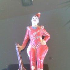 Figuras de Goma y PVC: RARISIMO PAYASO CON MANDOLINA CIRCO JECSAN DE GOMA AÑOS 50-BUEN ESTADO. Lote 53955255