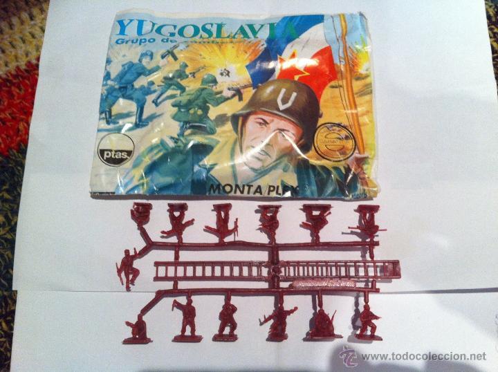 SOBRE VACIO Y COLADA DE YUGOSLAVOS MONTAPLEX (Juguetes - Figuras de Goma y Pvc - Montaplex)