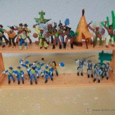 Figuras de Goma y PVC: EXPOSITOR COMANSI CON FIGURAS INCLUIDAS - INDIOS DE COMANSI YANKEES. Lote 54064681
