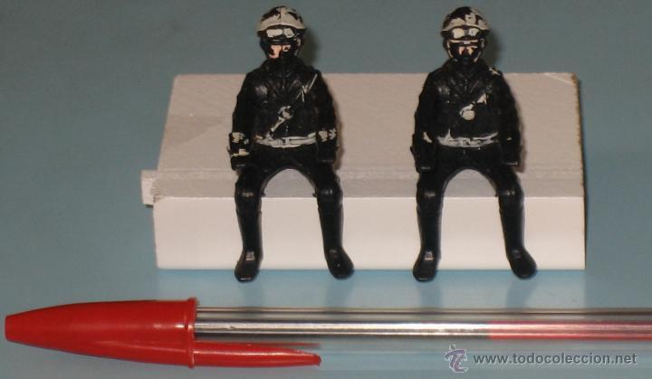 DOS FIGURAS DE PLÁSTICO MOTORISTAS (Juguetes - Figuras de Goma y Pvc - Teixido)
