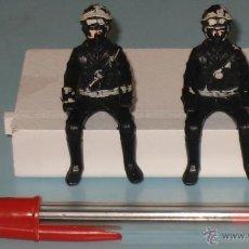 Figuras de Goma y PVC: DOS FIGURAS DE PLÁSTICO MOTORISTAS. Lote 54186521
