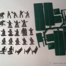 Figuras de Goma y PVC: MONTAPLEX LOTE DE PISTOLEROS Y FUERTE DEL OESTE. Lote 54277452