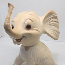 Figuras de Goma y PVC: DUMBO?? DE GOMA 23 X 15 CMTS. WALT DISNEY?? AÑOS 60-70, POUET. Lote 54452437