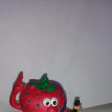 Figuras de Goma y PVC: FRESA - FRESON - COMICS SPAIN, SERIE FRUTIS, FRUITTIS. Lote 54557730