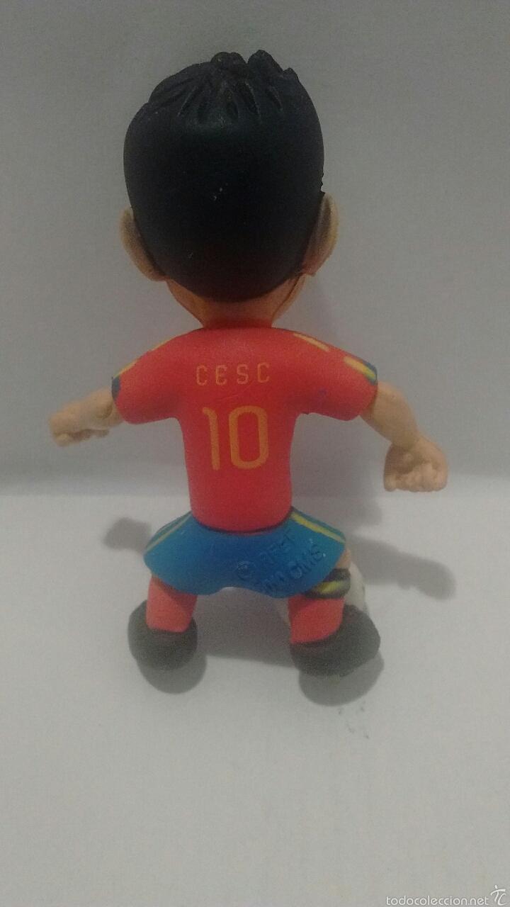 Figuras de Goma y PVC: Figura de Cesc Fábregas con Equipacion de la Selección Española. Made in Spain. - Foto 4 - 54725125