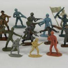 Figuras de Goma y PVC: COLECCION DE 29 FIGURAS DE SOLDADOS EN PLASTICO. PECH ?. POLICROMADOS. CIRCA 1960.. Lote 50098159