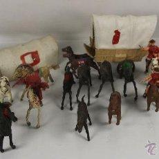 Figuras de Goma y PVC: LOTE DE 76 FIGURAS DE VAQUEROS, INDIOS Y CABALLOS DEL OESTE EN PVC. AÑOS 70.. Lote 150977846