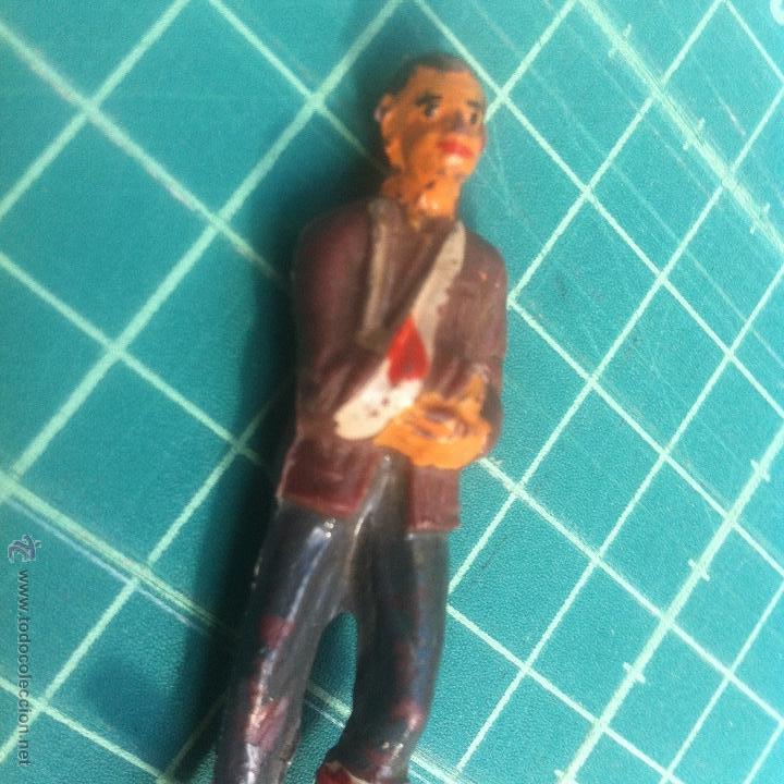 Figuras de Goma y PVC: jecsan ? dificilisima figura hombre herido/accidentado. - Foto 2 - 54859888