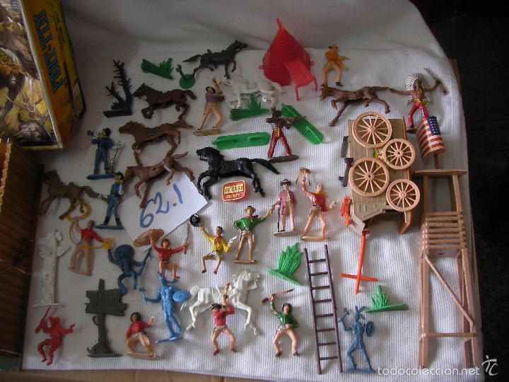 Figuras de Goma y PVC: GRAN LOTE COMANSI - FORTIN EN SU CAJA CON MUCHOS ACCESORIOS Y FIGURAS DIVERSAS - Foto 2 - 55352862