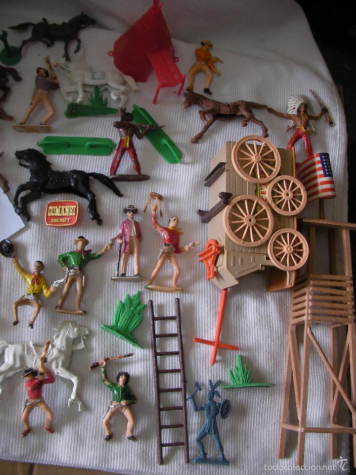 Figuras de Goma y PVC: GRAN LOTE COMANSI - FORTIN EN SU CAJA CON MUCHOS ACCESORIOS Y FIGURAS DIVERSAS - Foto 4 - 55352862