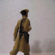 Figuras de Goma y PVC: PARACAIDISTA DE PECH DESFILANDO.. Lote 55372307