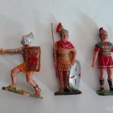 Figuras de Goma y PVC: 2 ROMANOS Y 1 GLADIADOR TIPO OLIVER,PECH,PARA PORTAL DE BELEN NACIMIENTO. Lote 56148463