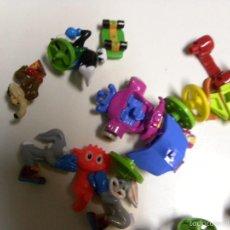 Figuras Kinder: LOTE DE MUÑECOS KINDER Y OTROS. Lote 56254970