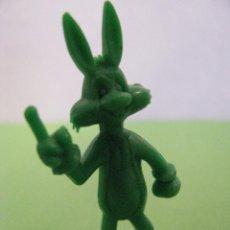 Figuras de Goma y PVC: FIGURA DUNKIN WARNER. EL CONEJO BUGS BUNNY. Lote 56285523