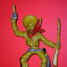 Figuras de Goma y PVC: COWBOY VAQUERO TAMAÑO GRANDE, 11 CMS. FABRICADO EN PLÁSTICO, LAFREDO. ORIGINAL AÑOS 60.. Lote 56334653