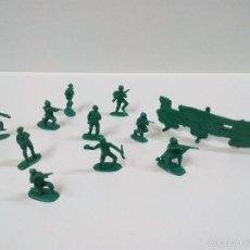 Figuras de Goma y PVC: LOTE SOLDADITOS Y BARRICADA . Lote 56371323