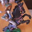 Figuras de Goma y PVC: ELASTOLIN 7 CTMS GUERRERO NORMANDO A CABALLO CON MAZA. Lote 56561967