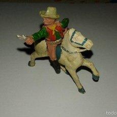 Figuras de Borracha e PVC: LAFREDO VAQUERO A CABALLO DE GOMA AÑOS 50 INDIOS Y VAQUEROS MADE IN SPAIN . Lote 56905731