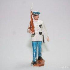 Figuras de Goma y PVC: PECH DESFILE SOLDADO DE MARINA ESPAÑOLA MARINERO PLASTICO. Lote 56979996