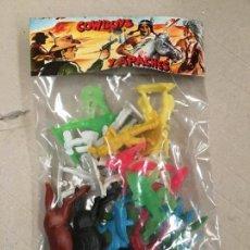 Figurines en Caoutchouc et PVC: BOLSA PACK DE INDIOS Y VAQUEROS AÑOS 70. Lote 69893143