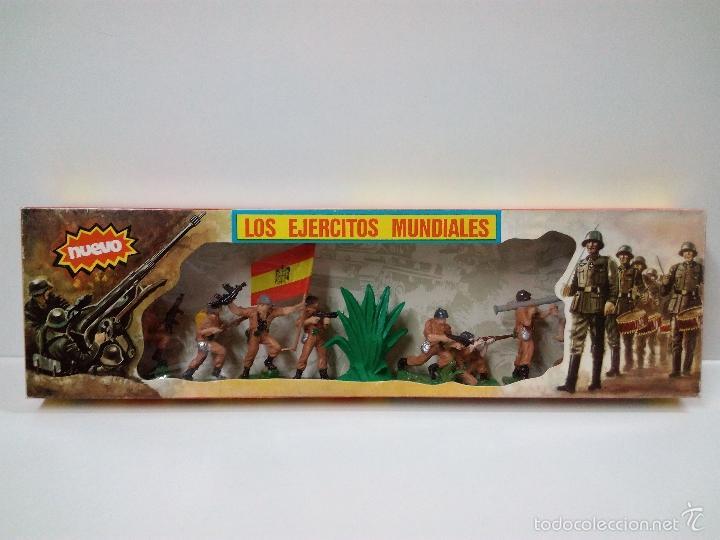 LOS EJERCITOS MUNDIALES . ESPAÑOLES COMBATE . PECH . CAJA ORIGINAL (Juguetes - Figuras de Goma y Pvc - Pech)
