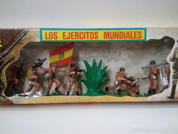 Figuras de Goma y PVC: LOS EJERCITOS MUNDIALES . ESPAÑOLES COMBATE . PECH . CAJA ORIGINAL - Foto 2 - 57091700
